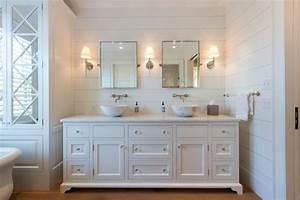 Cliff road area nantucket beach style bathroom for Nantucket style bathrooms