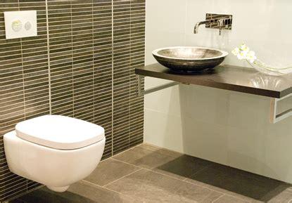 Sanierung Bad  Badezimmer  Fliesen Badmöbel