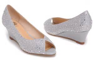 silver wedge bridesmaid shoes platform wedge wedding shoes designers tips and photo