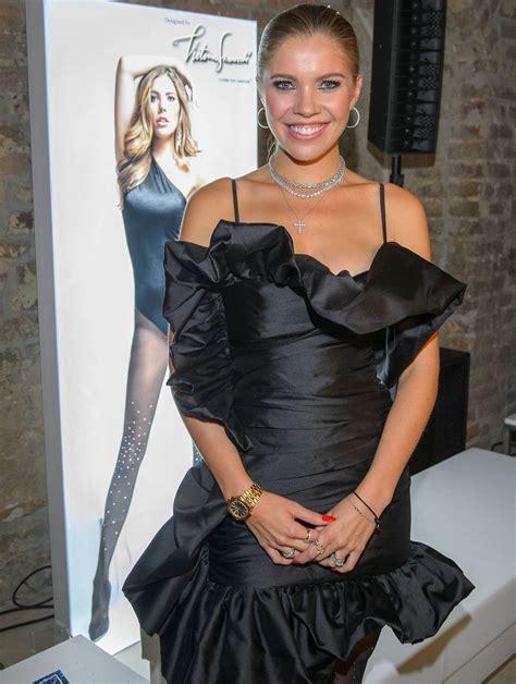 Victoria moderiert das rtl erfolgsformat nun schon in der 4. Victoria Swarovski: Die Glitz- und Glamour-Night mit ...