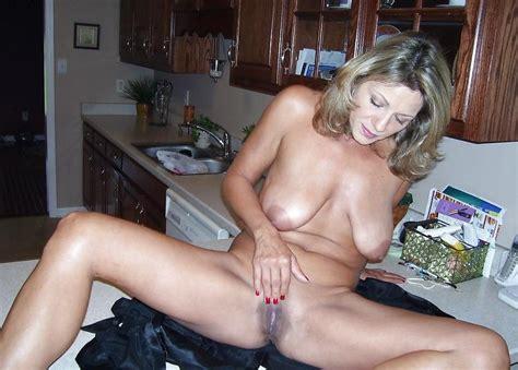 Hot Moms In Kitchen Pics XHamster