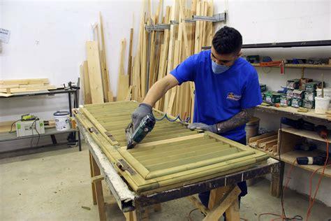 restauro persiane in legno preventivo gratuito prezzi restauro persiane in legno lo