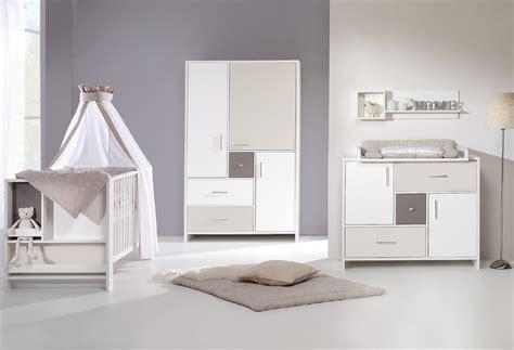 chambre bébé beige chambre bébé lit commode armoire beige schardt