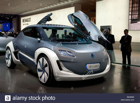 Futuristic Renault Zoe Ze Concept Electric Car At The