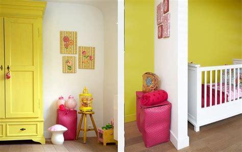 leuke babykamer roze en geel pink yellow nursery