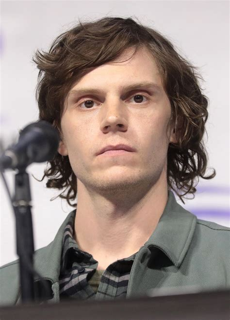 Way before american horror story, the actress, who played a young moira o'hara during the first season, reportedly dated evan. Evan Peters - Wikipedia