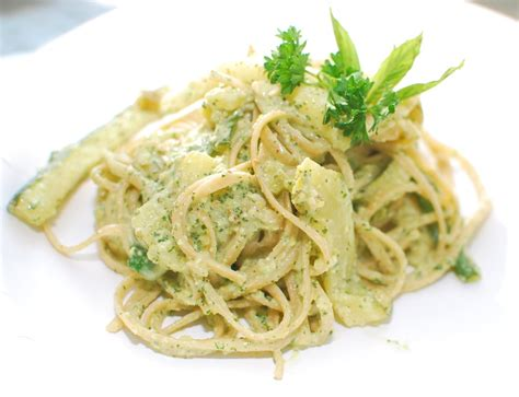 comment cuisiner courgette spaghetti whole wheat spaghetti with mint pesto and zucchini ribbons
