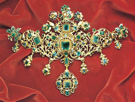 jewelry  history  jewelry design britannica