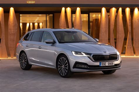 The škoda octavia retains its powerful yet elegant build with a strong design and enhanced features to create a car that truly means. Nieuws: Skoda Octavia: verkoop nieuw model start april ...