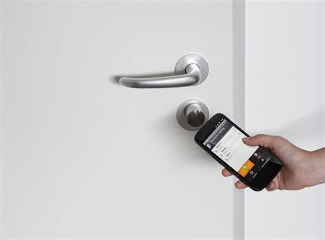 Turning Smartphones Into Secure And Versatile Keys