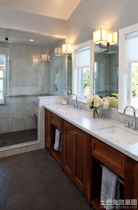 Narrow Bathroom Ideas Pictures by 1000 Ideas About Narrow Bathroom On