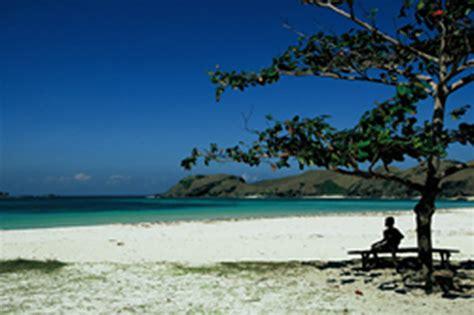 misteri nama  tengah keindahan pantai lovina buleleng
