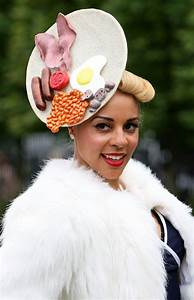 Haha♥: Eccentric Hats at Royal Ascot