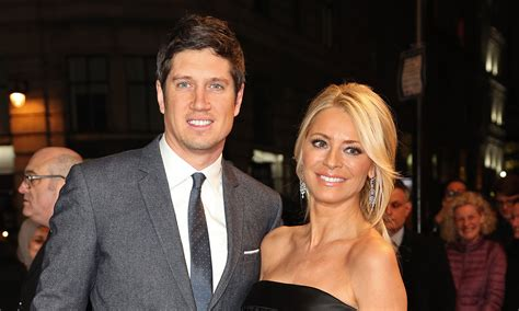 Tess Daly reacts as husband Vernon Kay strips off on I'm A ...