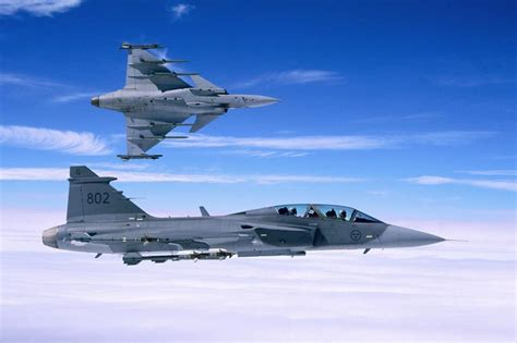 tech automotive saab jas  gripen fighter jet