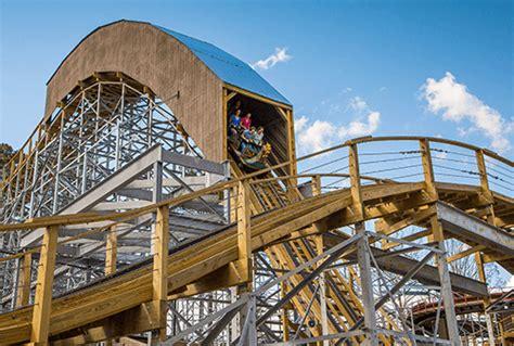 InvadR | Wooden Coaster | Busch Gardens Williamsburg