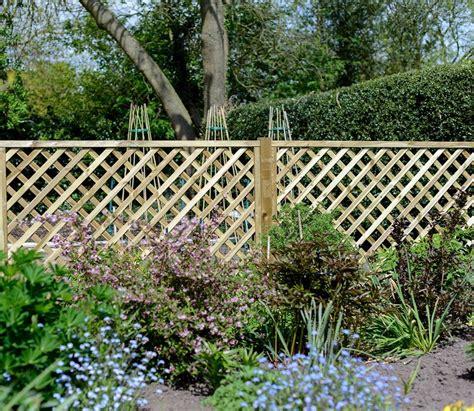 10 Ft Trellis by Grange Madeley Lattice 6 X 4 Ft Trellis Gardensite Co Uk