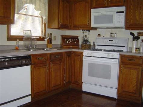 kitchens with white appliances and oak cabinets kitchen color ideas for oak kitchen cabinets my home 9860