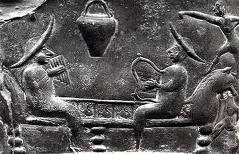 antichi vasi funebri gli strumenti musicali degli antichi celti terre