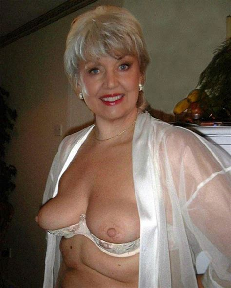 Busty and juicy French moms... Image #15