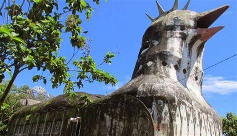 puthuk situmbu gereja ayam lava  candi ratu boko