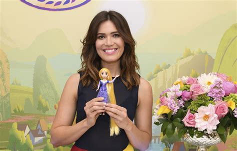Mandy Moore Just Met The New Rapunzel Dolls And Cant Stop