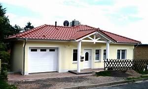 Einfamilienhaus Mit Garage : einfamilienhaus mit integrierter garage ~ Lizthompson.info Haus und Dekorationen