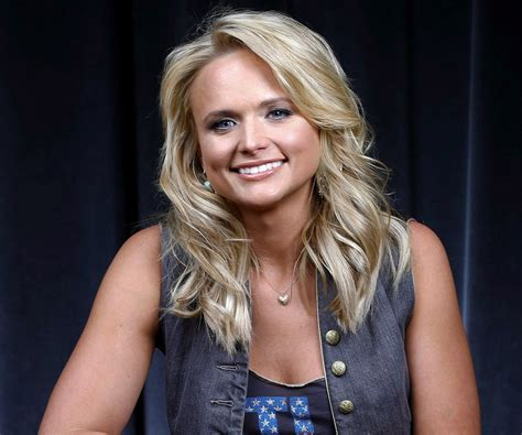 facts about miranda lambert top 28 facts about miranda lambert miranda lambert blake shelton divorce 5 fast facts