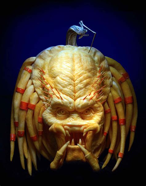 amazing pumpkins more amazing pumpkin carvings by ray villafane bored panda
