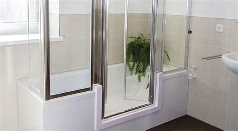 wanne mit dusche umbau badewanne als dusche badbarrierefrei schweiz