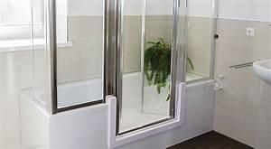 Sitzbadewanne Mit Dusche : sitzbadewanne begehbare dusche oder badewanne mit t r komfort im bad ~ Frokenaadalensverden.com Haus und Dekorationen