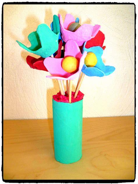 cuisine enfants en bois fleurs avec boîte d 39 oeufs mes humeurs créatives