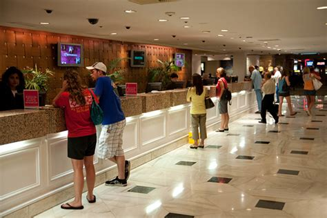 Front Desk Las Vegas by Las Vegas Vacations Flamingo Las Vegas Hotel And Casino