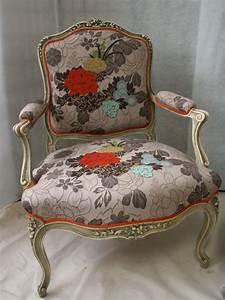 Fauteuil Voltaire Moderne : tissus kenzo pour r novation fauteuil voltaire pinteres ~ Teatrodelosmanantiales.com Idées de Décoration