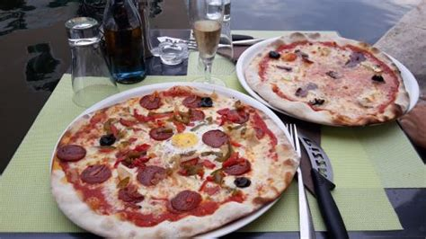 pizza photo de rialto pizza port grimaud tripadvisor