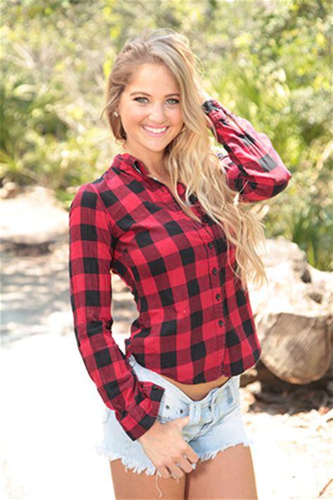 heather  holland female model profile bradenton