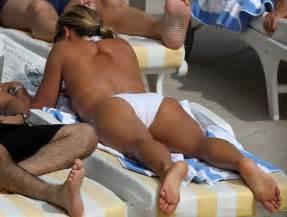 Anne Sophie Lapix Nue Dans Plage Jambe Pied Topless Nue
