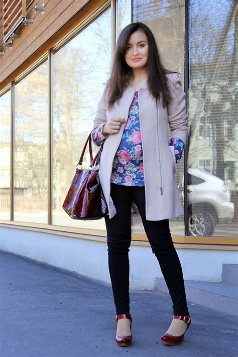 outfits  pregnant women   maternity outfit ideas