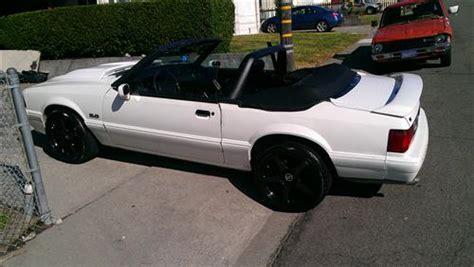 cdc mustang convertible light bar black   cdc