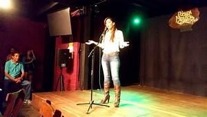Stand Up Comedy Pamela Acosta - Los Periodistas