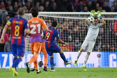 barcelona  manchester city goalkeeper claudio bravo