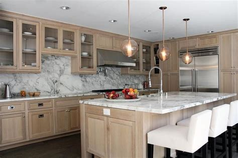 oak and white kitchen cabinets beautiful kitchen features wire brushed oak cabinets 7124