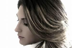 Gefärbte Haare Natürlich Aufhellen : dunkel gef rbte haare aufhellen so verhindern sie eine katastrophe ~ Frokenaadalensverden.com Haus und Dekorationen