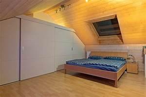 Bett Unter Dachschräge : schrank in der dachschr ge nach mass dachschr genschrank ~ Lizthompson.info Haus und Dekorationen