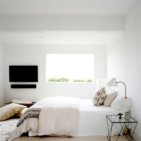 Small Bedroom Ideas by 16 Small Master Bedroom Ideas That Are Larger Than