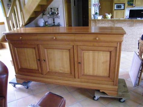 customiser des meubles de cuisine meubles louis philippe en merisier peints atelier de l 39 ébéniste c cognard eure restaurateur