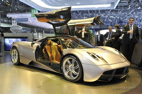Pagani Huayra: The Why-Air-Ra is better in Red. And in the ...