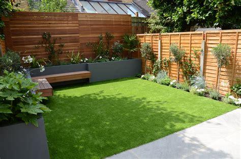 small garden design fake grass  mainteance contempoary