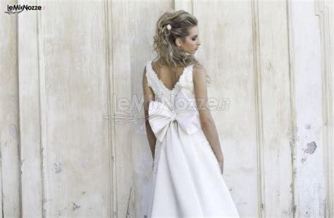 acconciatura con fiore foto 2 acconciature da sposa capelli semiraccolti