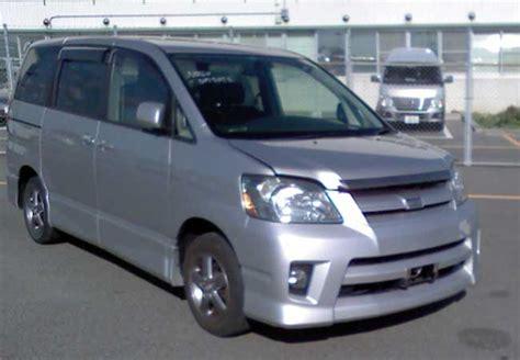 used toyota noah vans 2004 in silver used cars